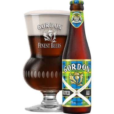 Uitgeschonken Gordon Scotch Ale in bijhorend glas